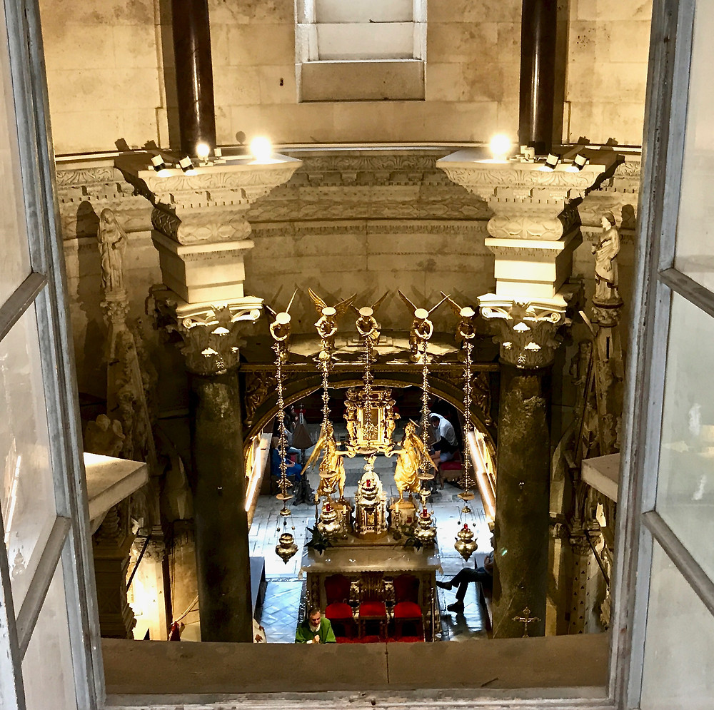 altar of the Cathedral of Saint Dominus