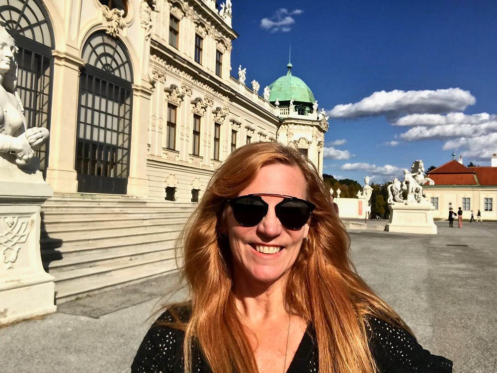 me at the Belvedere palace, ready to queue up to see The Kiss