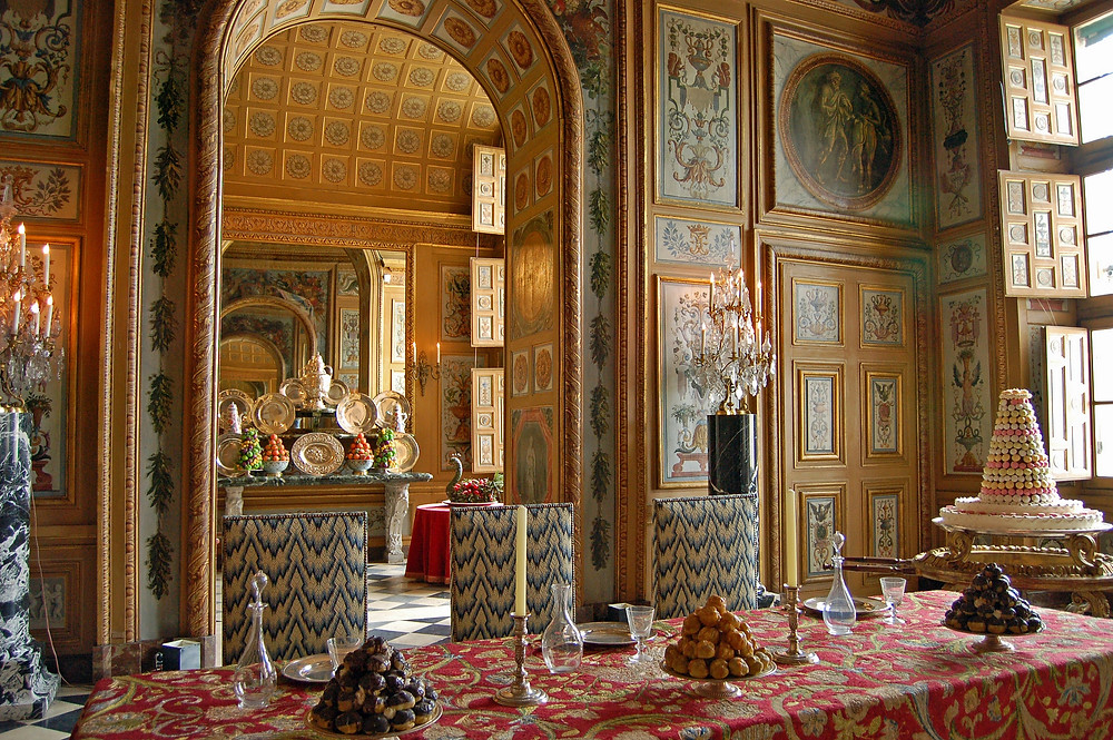 the dining room at Chateau Vaux le Vicomte
