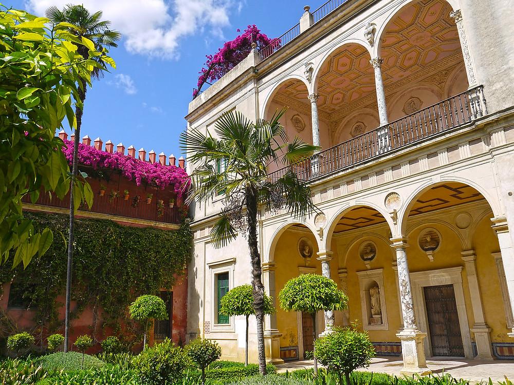 garden courtyard of Casa de Pilatos