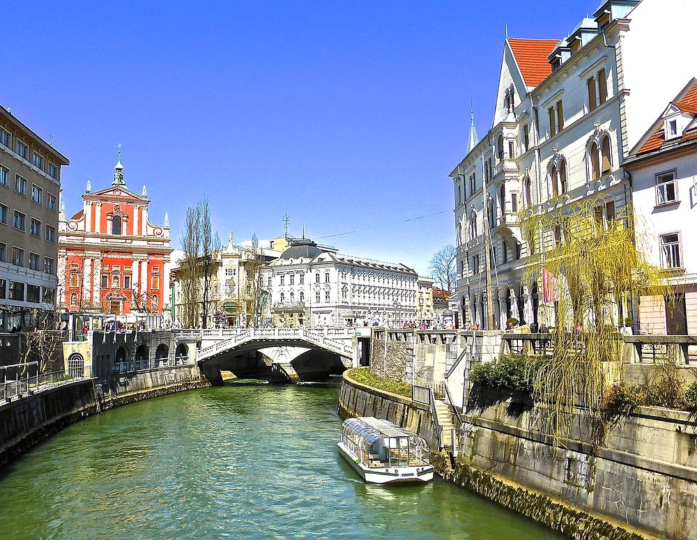 the emerald green river in Ljubljana