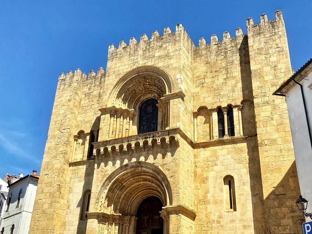 the exterior facade of Se Velha