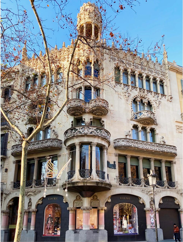 facade of Casa Lleo Morera