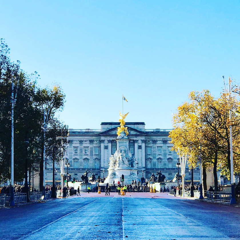 Buckingham Palace and the Queen Victoria statue