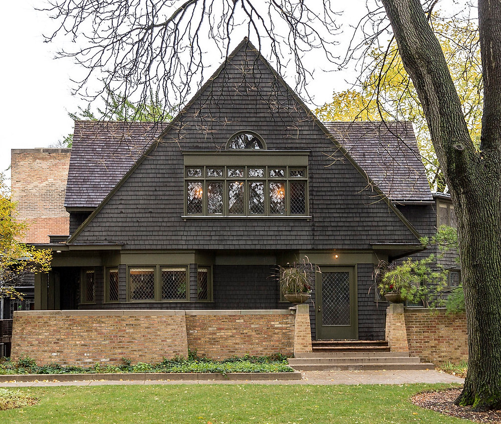 Wright's 1889 home in Oak Park, which kept growing to accommodate his expanding family