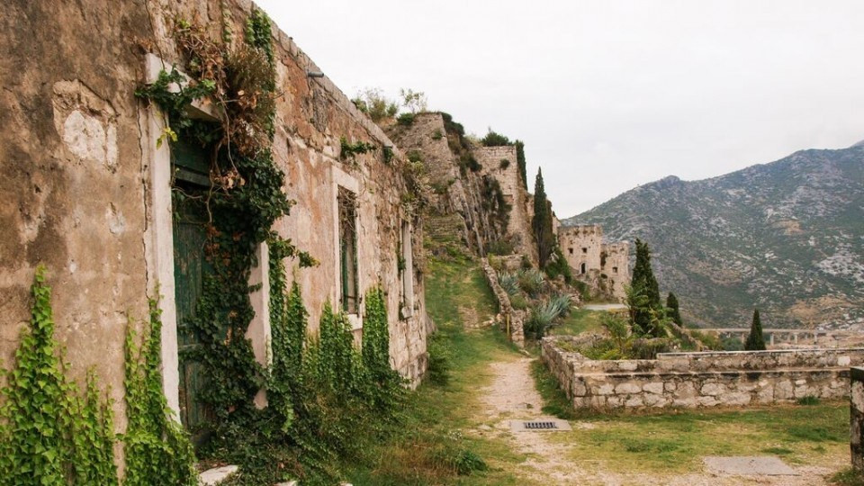 Klis Fortress. Just add dragons and you have Mereen
