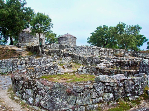 Ruin Lust: Rock On In Portugal's Citânia de Briteiros