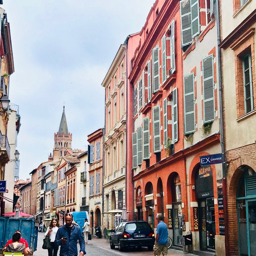 the pink and orange colors of Toulouse France, la Ville Rose
