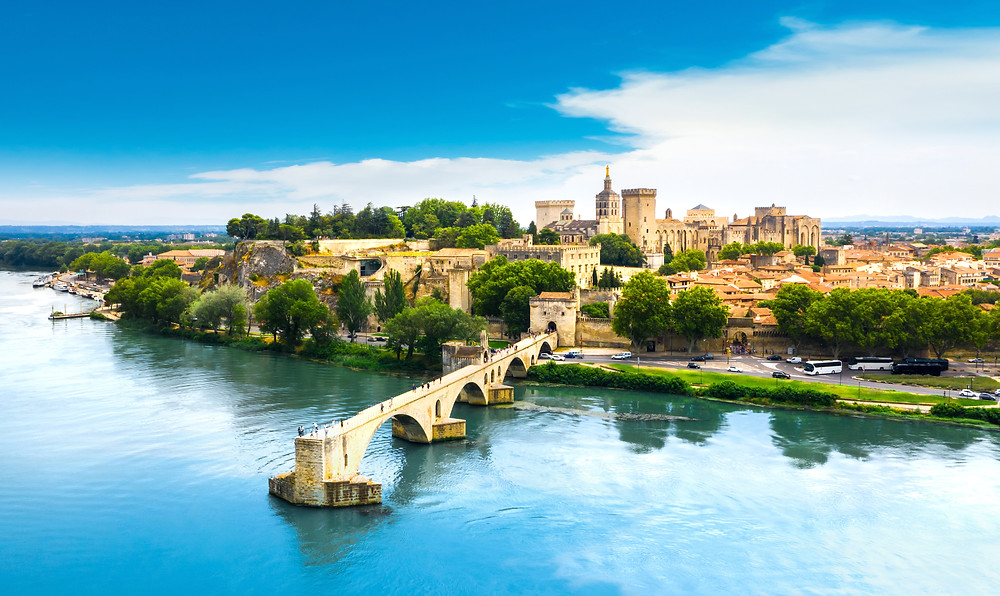 Pont Saint Benezet and the town of Avignon