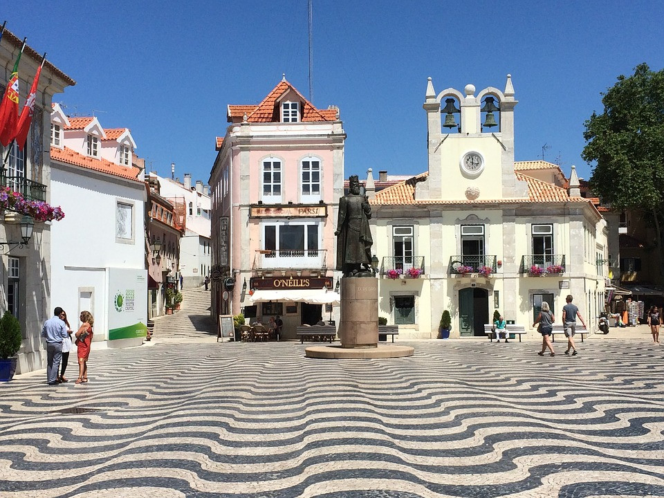the main square in Cascais
