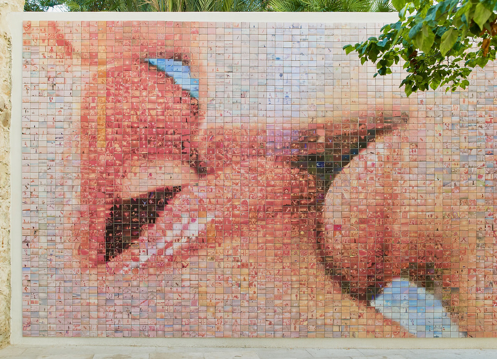 The World Begins With Every Kiss mural in Barcelona