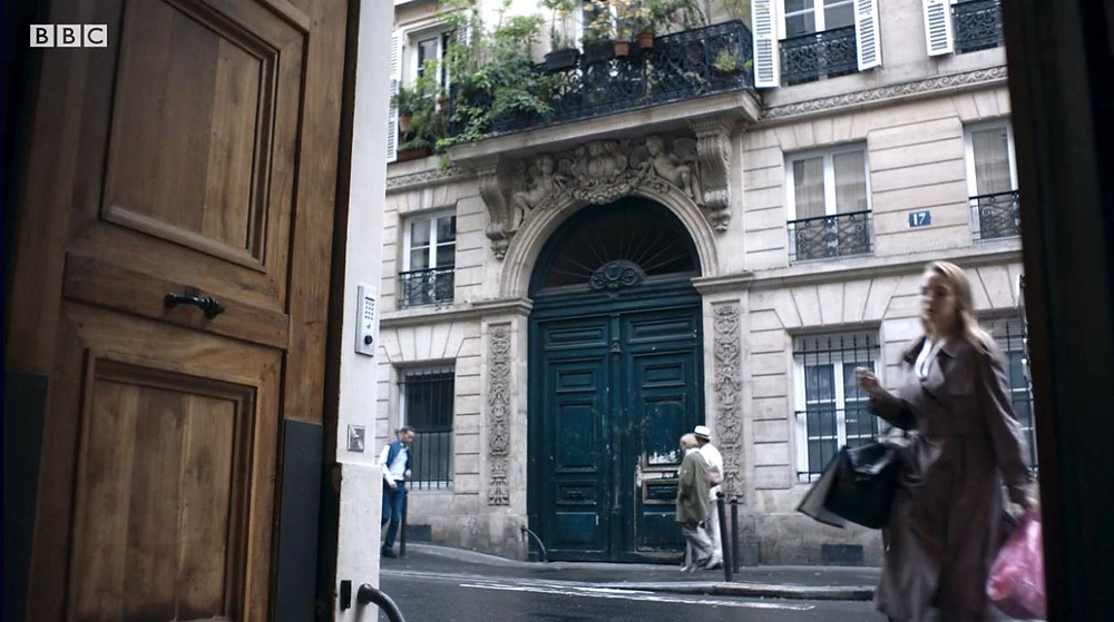 the only clue to finding the location of Villanelle's Paris apartment, the ornate dark blue door with the number 17 to the right.