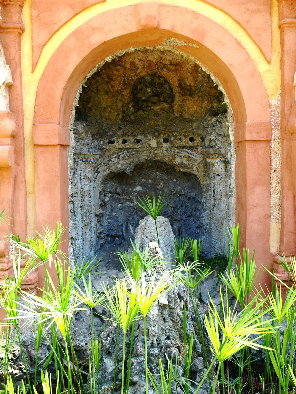 the Fuente de la Fama, a water organ, along the Italian Grotto Gallery in the Alcazar