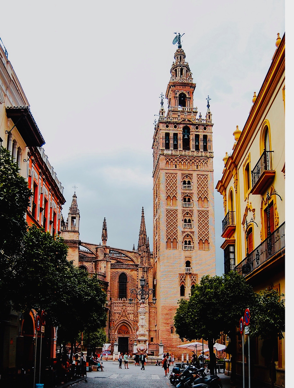 La Giralda bell tower, the symbol of Seville