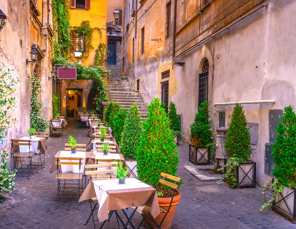 non-touristy cafe in central Rome