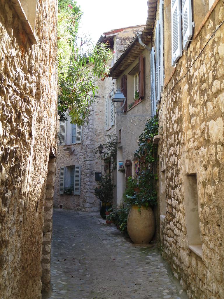 tiny cobbled lane in Grasse France