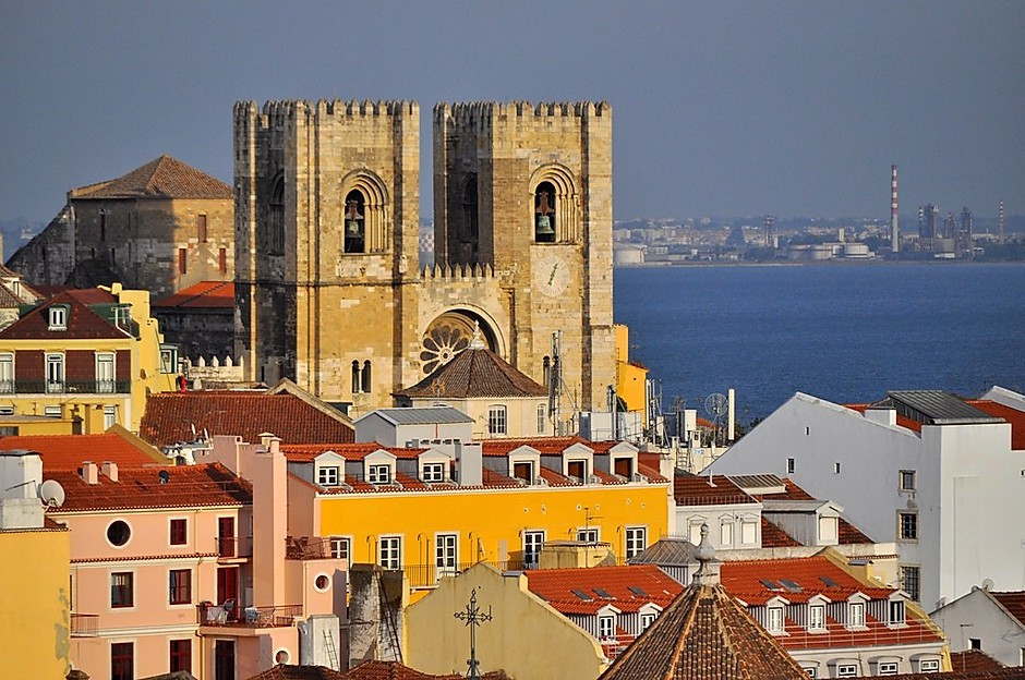 the imposing Romanesque Sé Cathedral in Lisbon