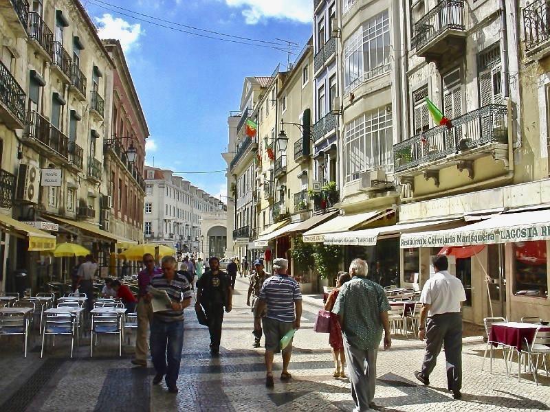the pedestrianized but very touristy Rua das Portas de Santo Antão
