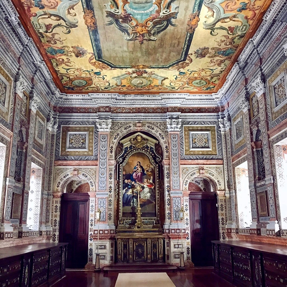 the sacristy with polychrome marble walls