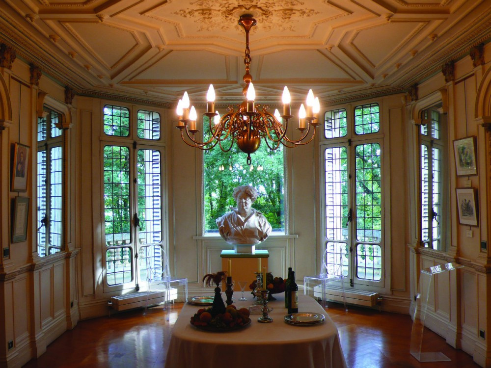 the dining room at the Chateau de Monte-Cristo