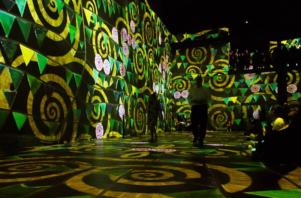 the Gustav Klimt show at Paris' Atelier des Lumière