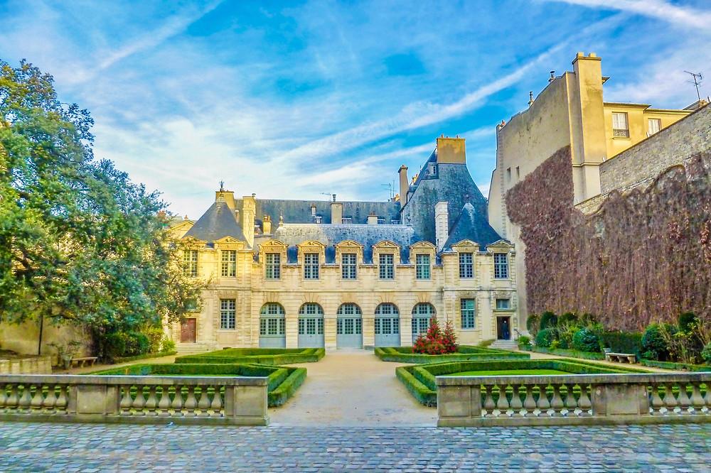 the beautiful Hotel de Sully