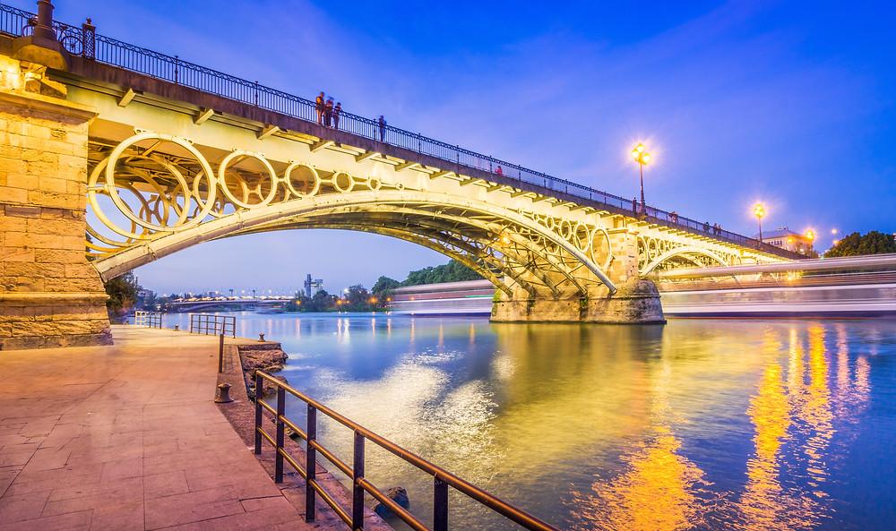 Triana Bridge, the beautiful Isabelle Ponte II