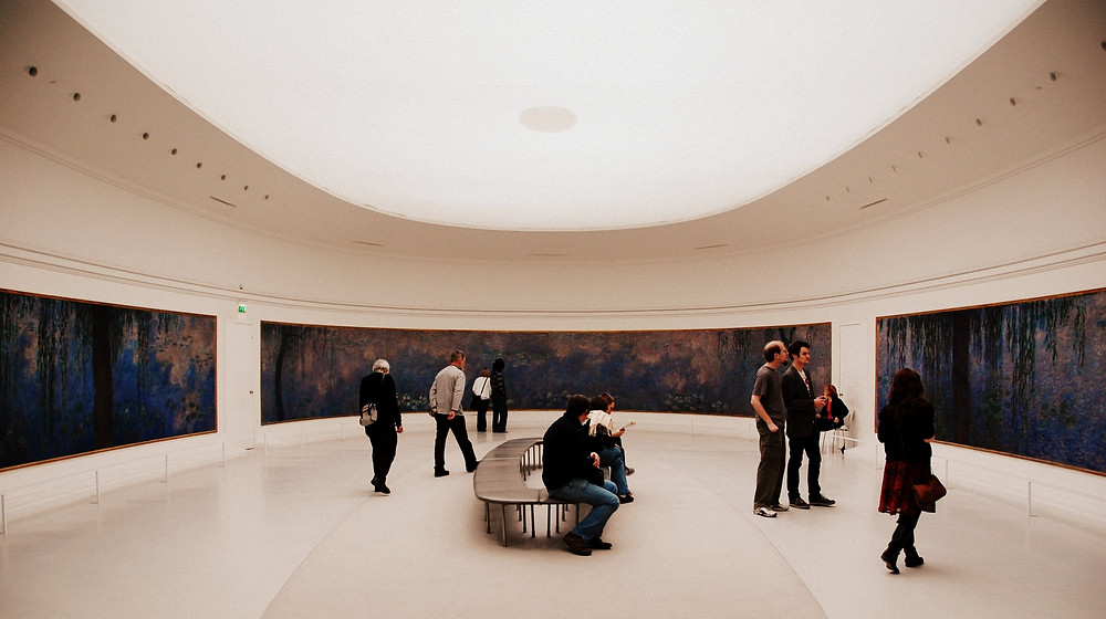 one of the oval galleries featuring the dusk themes water lilies