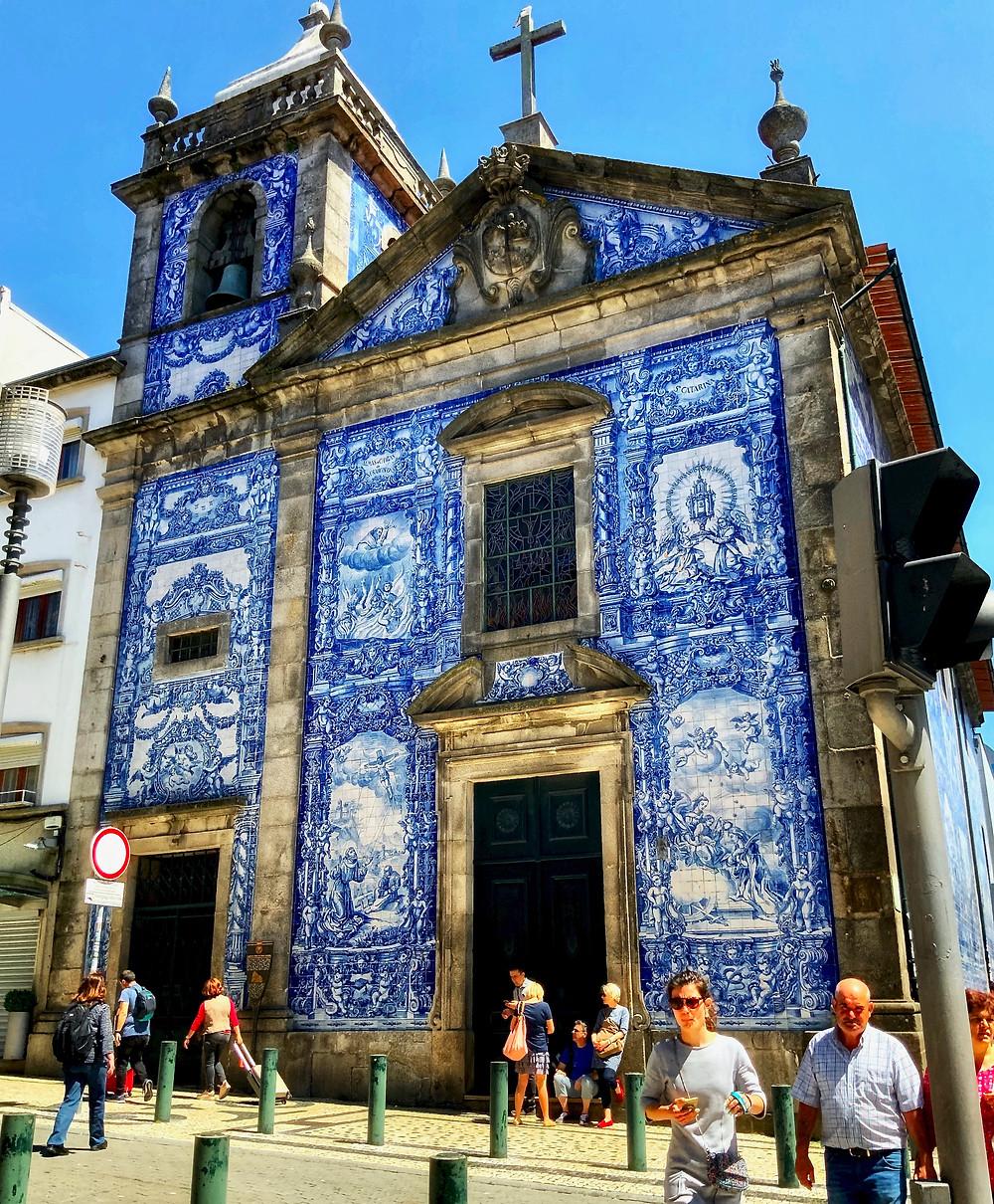 the tile wrapped Capela das Almas