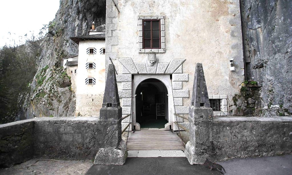 entrance to Predjama Castle