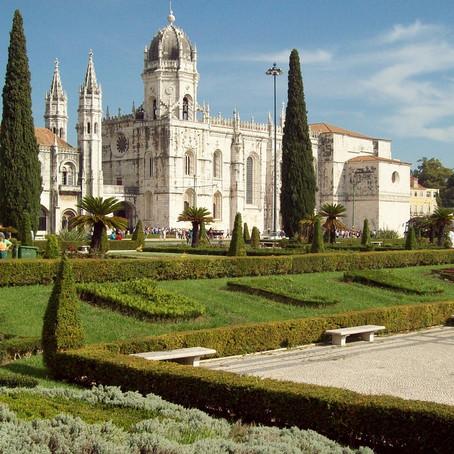 Guide To Jerónimos Monastery: Manueline Splendor in Lisbon's Belém Neighborhood