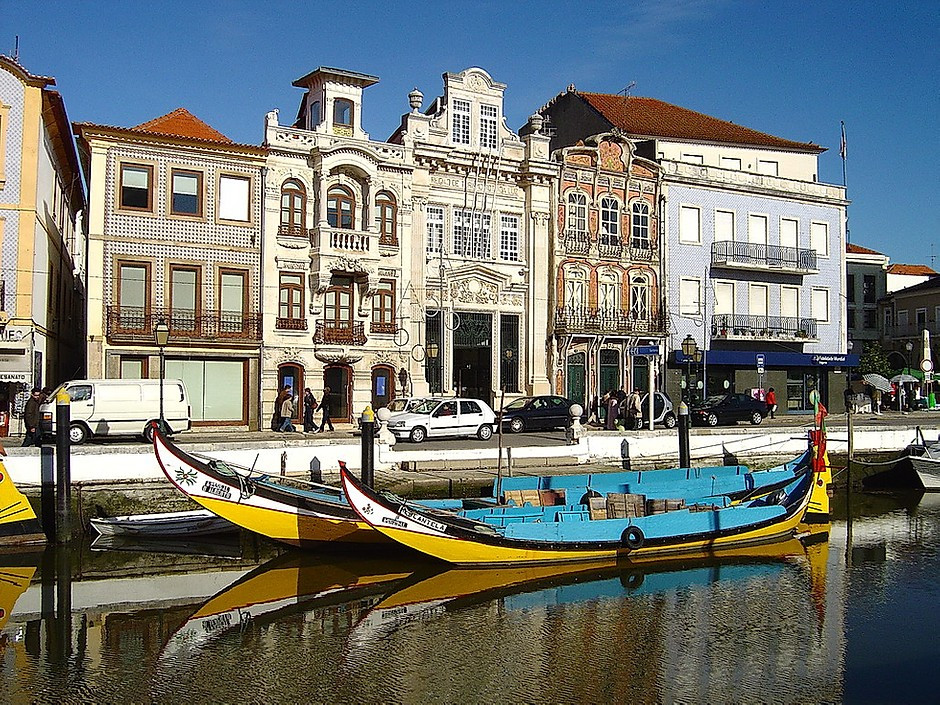 the town of Aveiro filled with Art Nouveau architecture