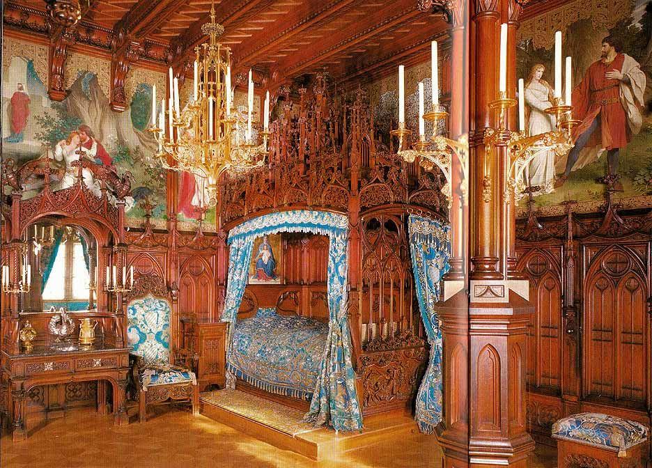 Ludwig's bedroom in Neuschwanstein Castle