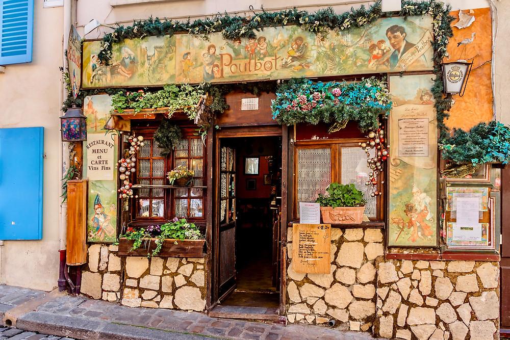 cute cafe in Montmartre, Paris' prettiest neighborhood