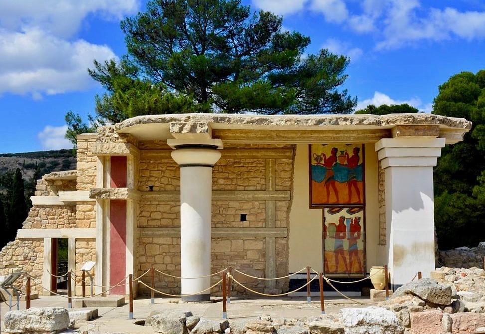the South Propylaeum at Knossos