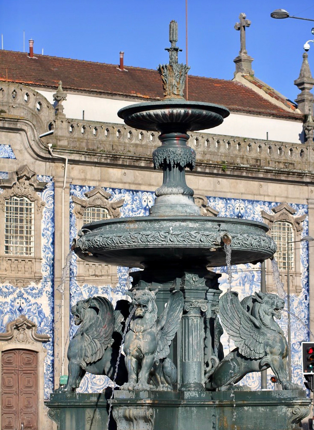 This fountain outside the Igreja de Carmo looks very Gryffindor like to me. And J. K. Rowling did live in Porto for two years.