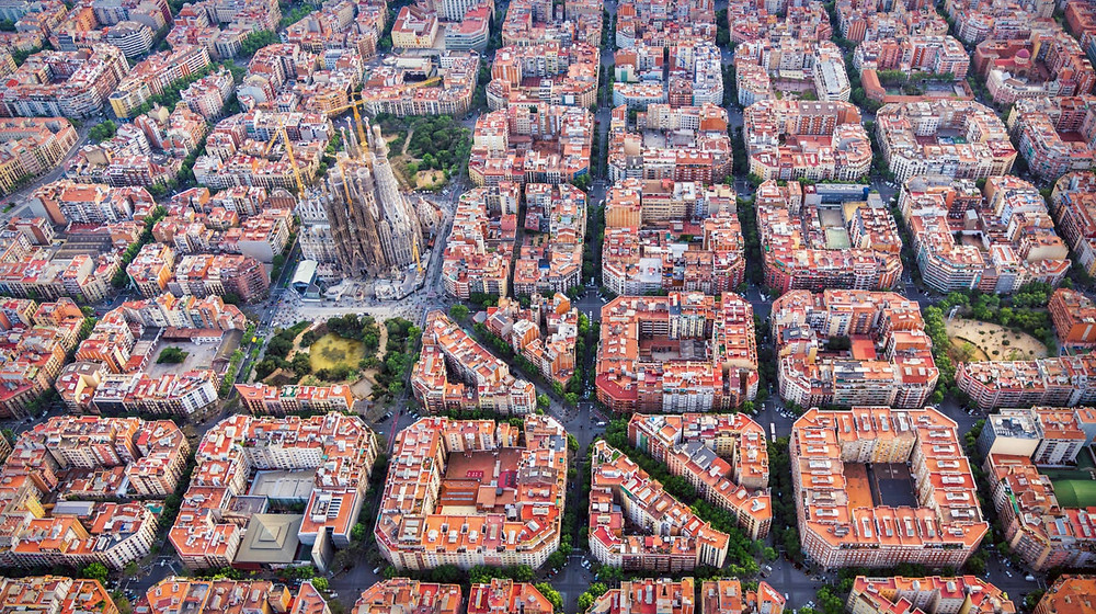 grid layout of Barcelona's Eixample neighborhood