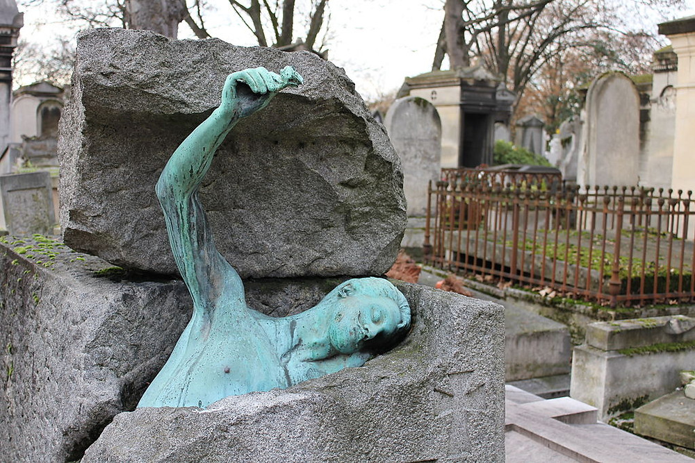unusual grave of Georges Rodenbach