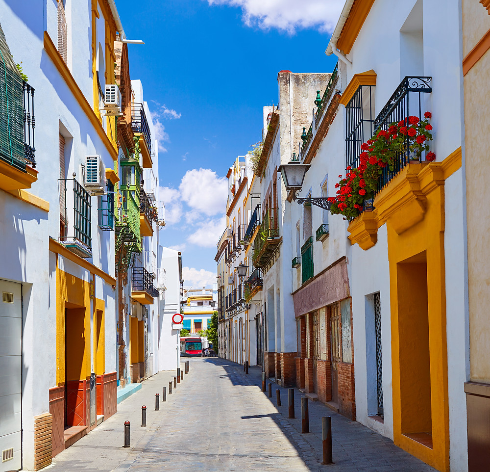 beautiful homes in the Triana neighborhood of Seville