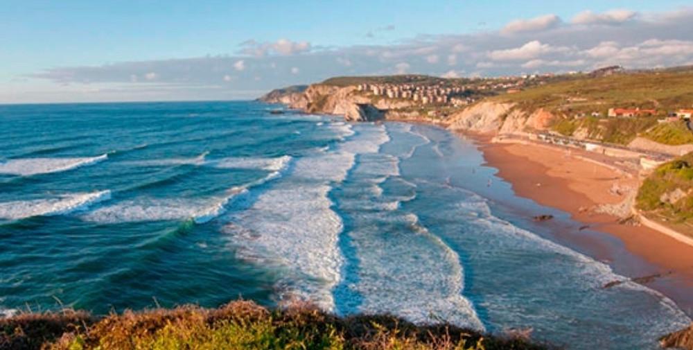 Sopalena Beach, just a 25 minute drive from Bilbao