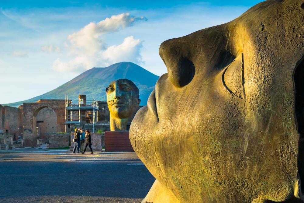 sculptures by the artist Igor Mitoraj in Pompeii