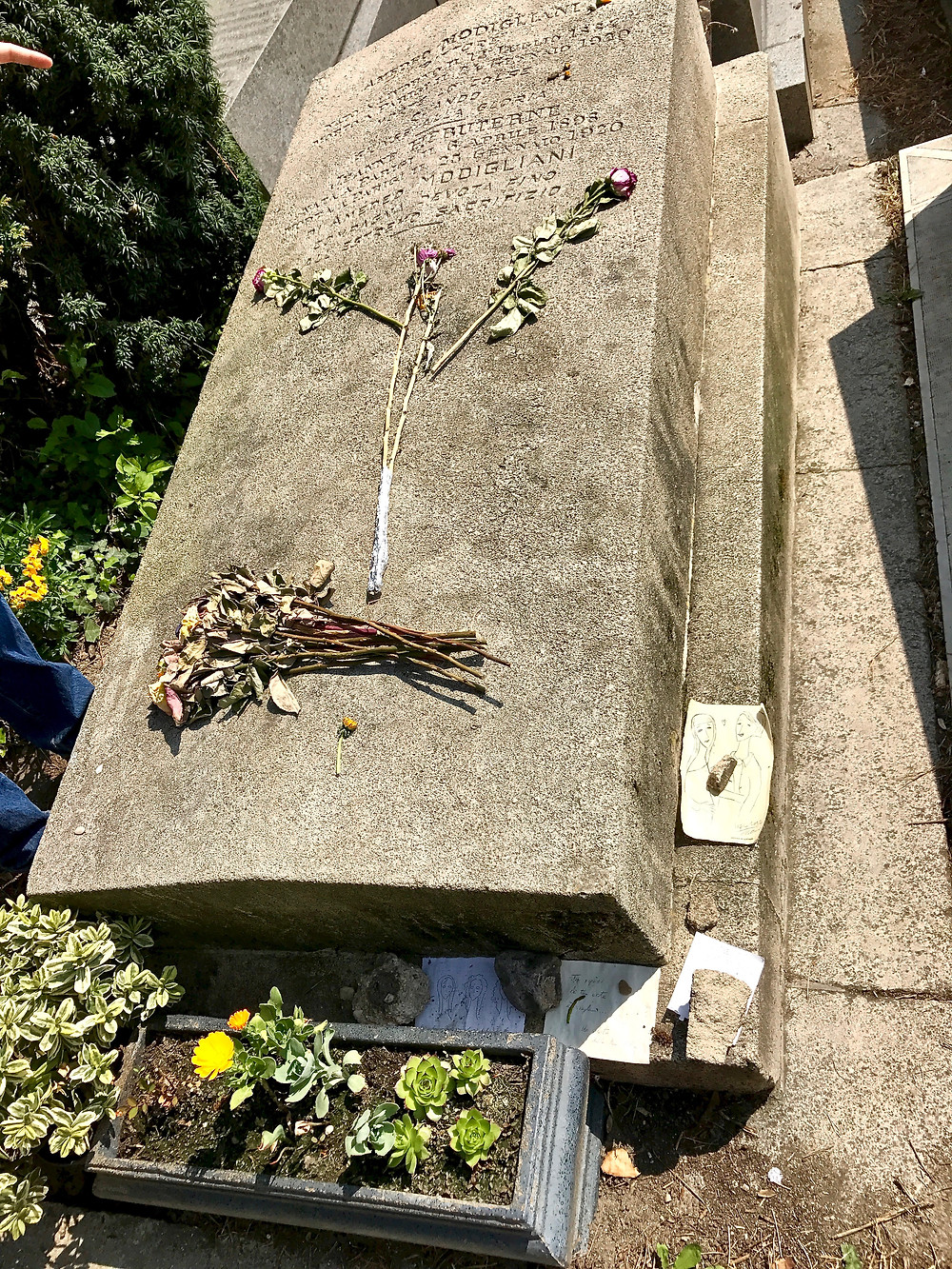 the grave of Amadeo Modigliani and his lover