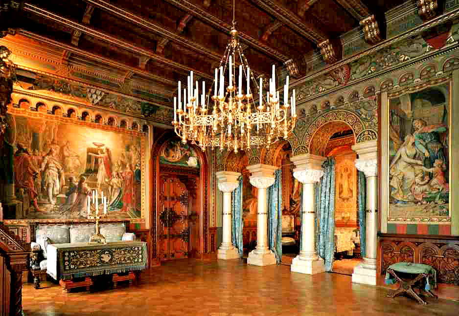 the living room in Neuschwanstein Castle