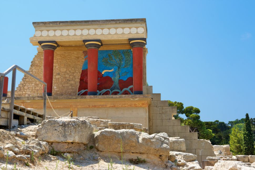 the northern entrance to the archaeological site of Knossos