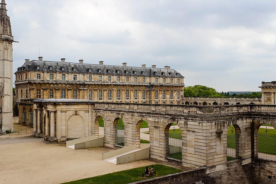 interior courtyard of Chateau de Vincennes