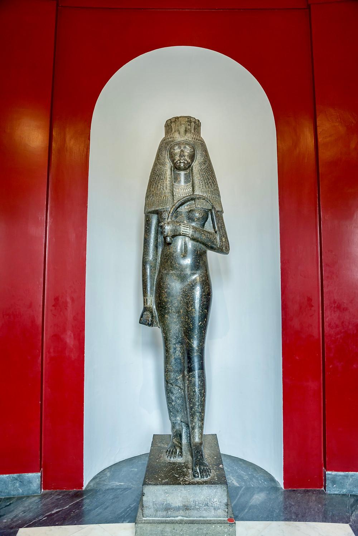 statue of queen Tuya in the Gregorian Egyptian Museum