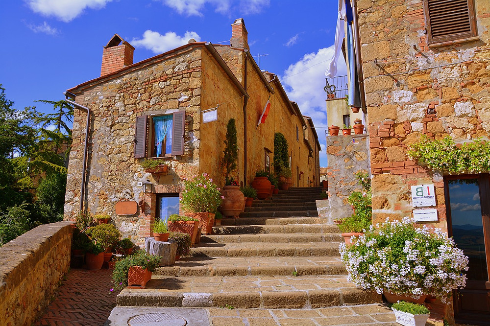 stairway and houses in Pienza