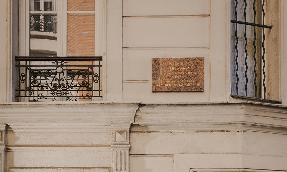 plaque marking Picasso's first studio. Image: Laura Stevens