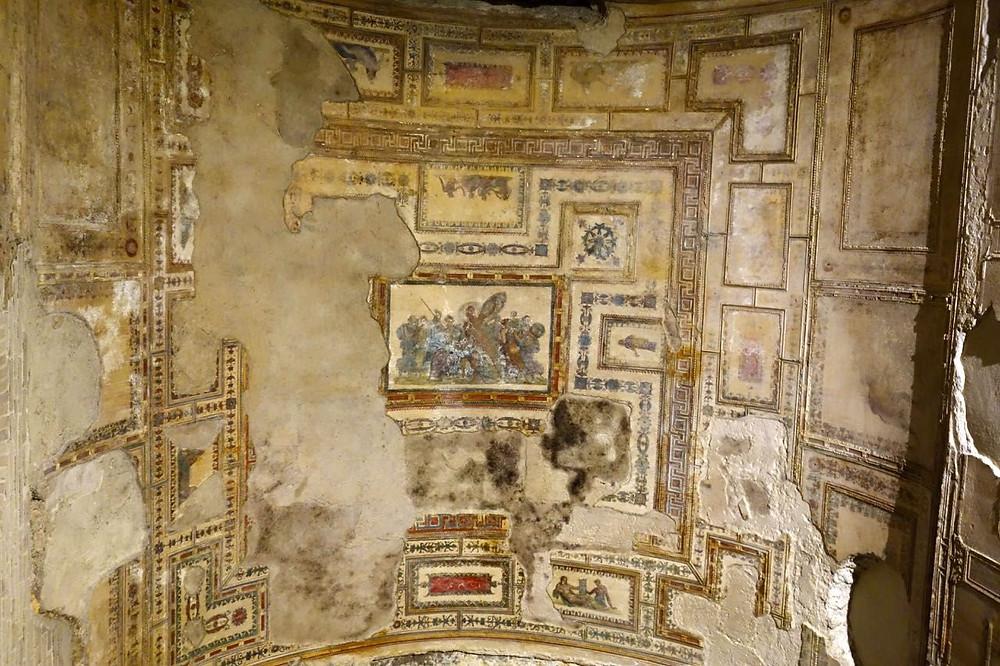 frescos in the Achilles Room of Domus Aurea