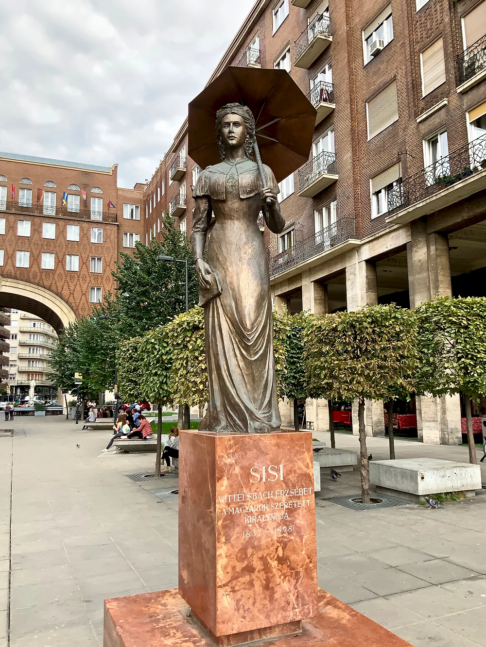 Empress Sisi statue in Budapest